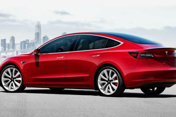 Цена электромобилей уже в 2022 году станет ниже, чем обычных машин.