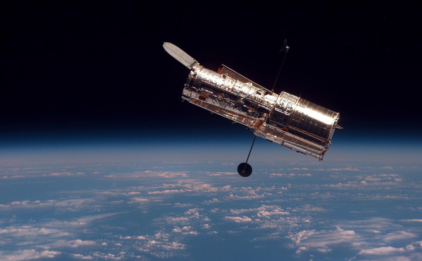 наса-пытается-починить орбитальный аппарат